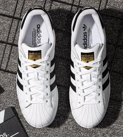 adidas Originals Superstar白黑金配色莆田鞋