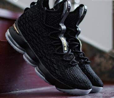 Nike LeBron 15 Black Gold 黑金莆田鞋!货号:AO1754-006