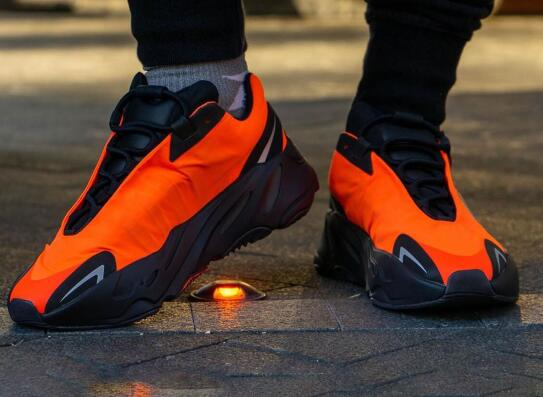 adidas Yeezy Boost 700 MNVN Orange 橙色莆田鞋!货号:FV3258